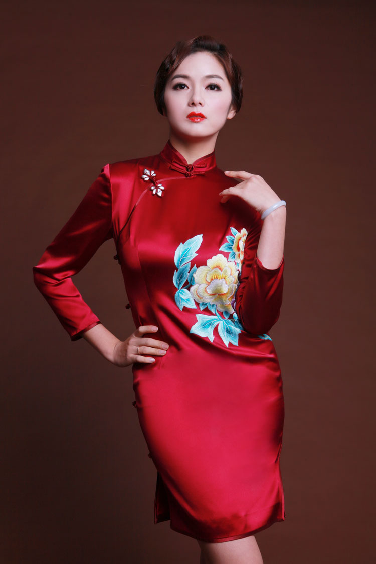 Wine red silk cheongsam