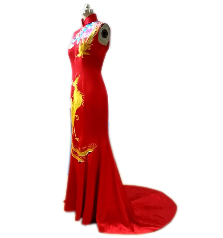 Red phoenix embroidery wedding dress