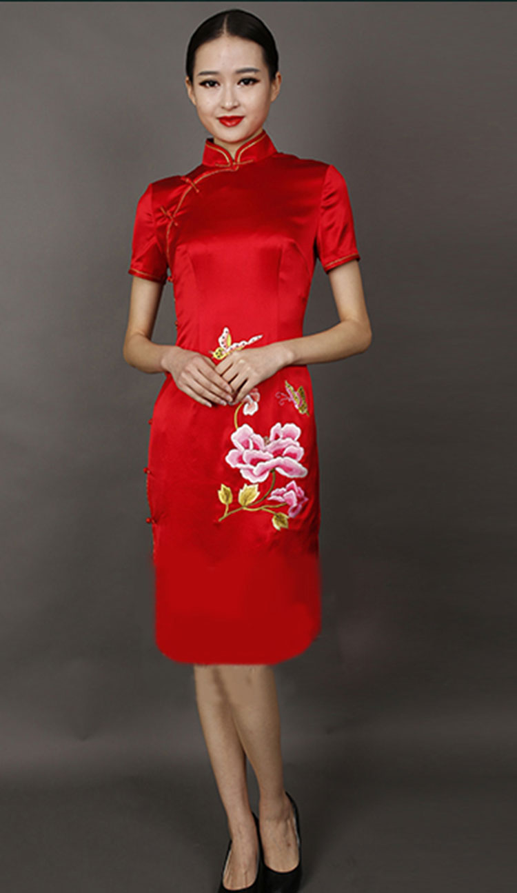 Red silk embroidery short cheongsam