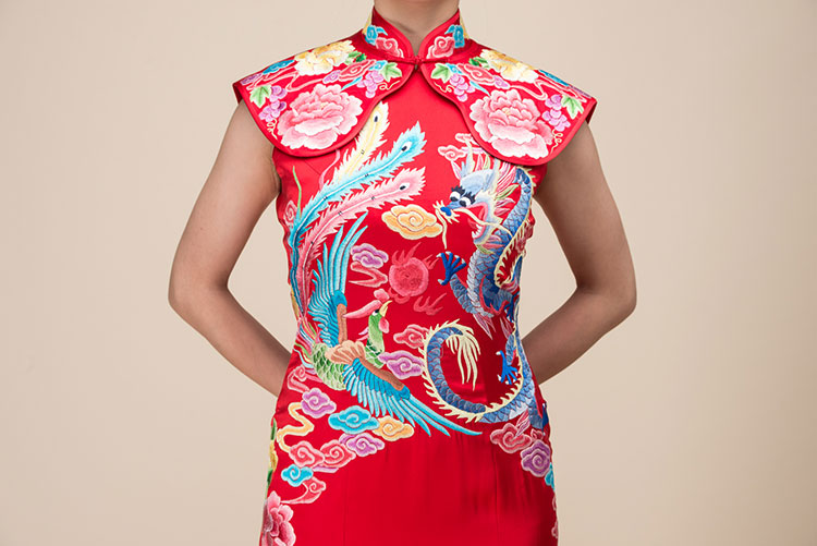 Red chinese wedding dress with dragon and phoenix embroidery