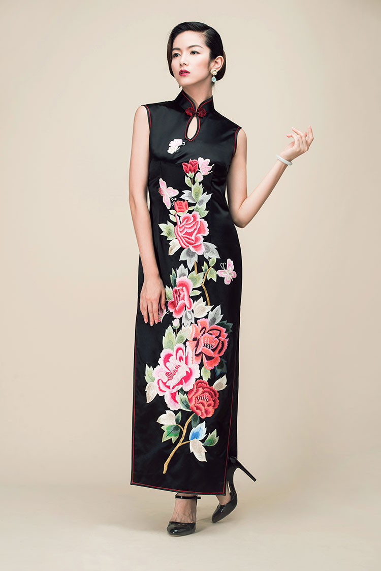Black embroidery long cheongsam dress