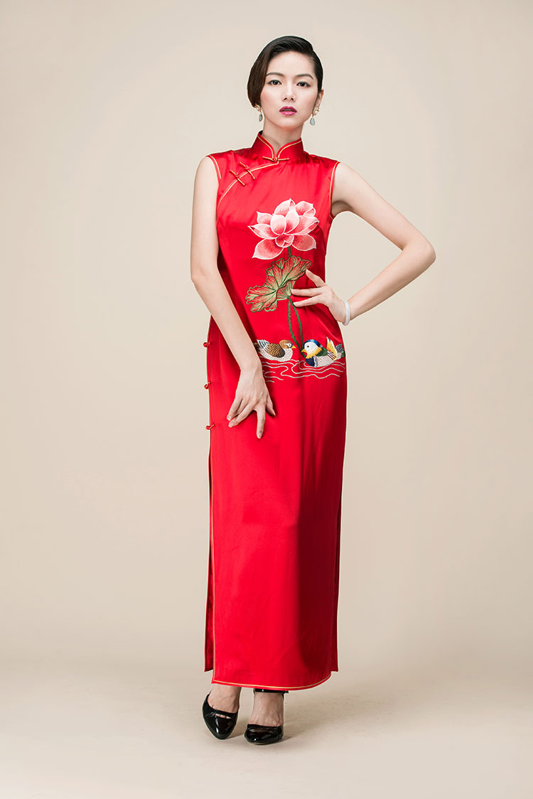Red silk embroidery cheongsam long dress