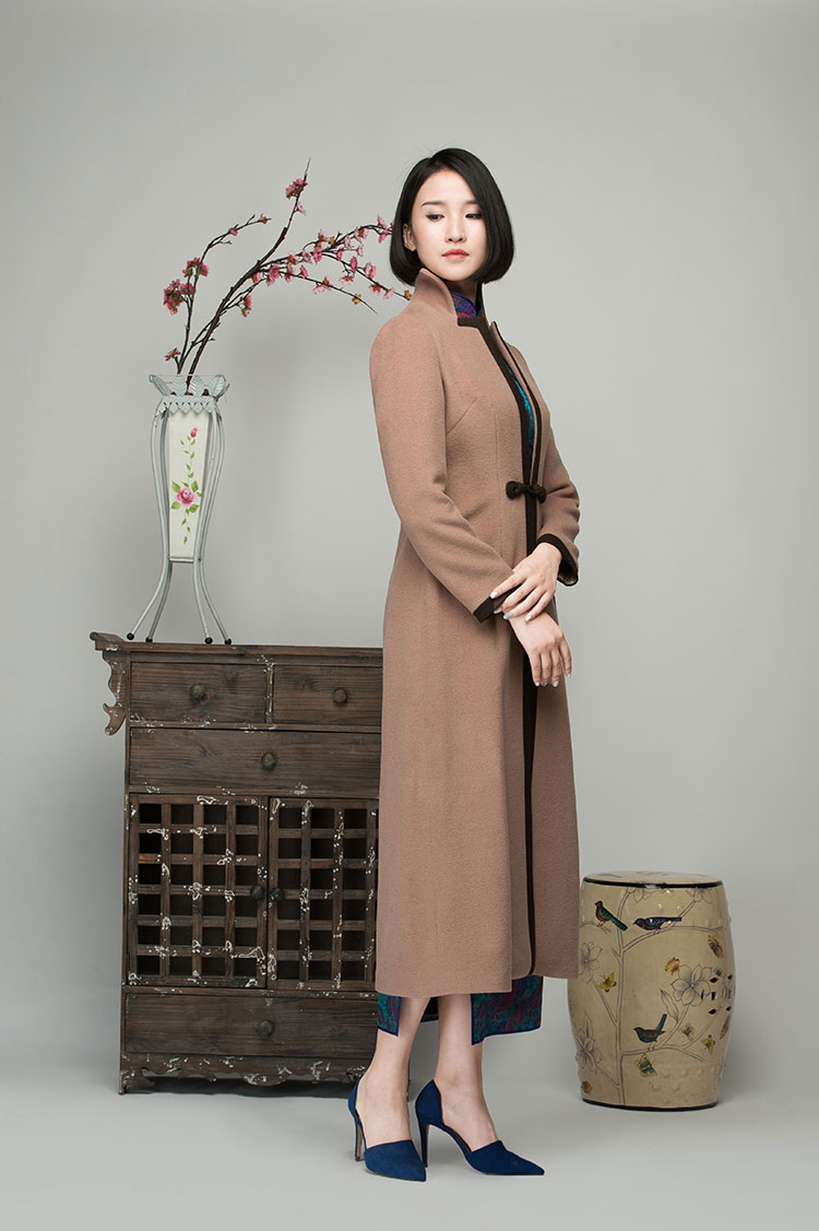 Light brown cashmere women coat