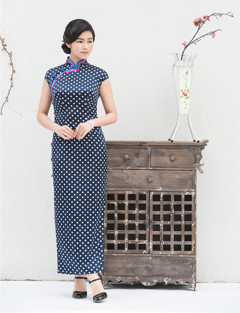 Chinese traditional blue dress