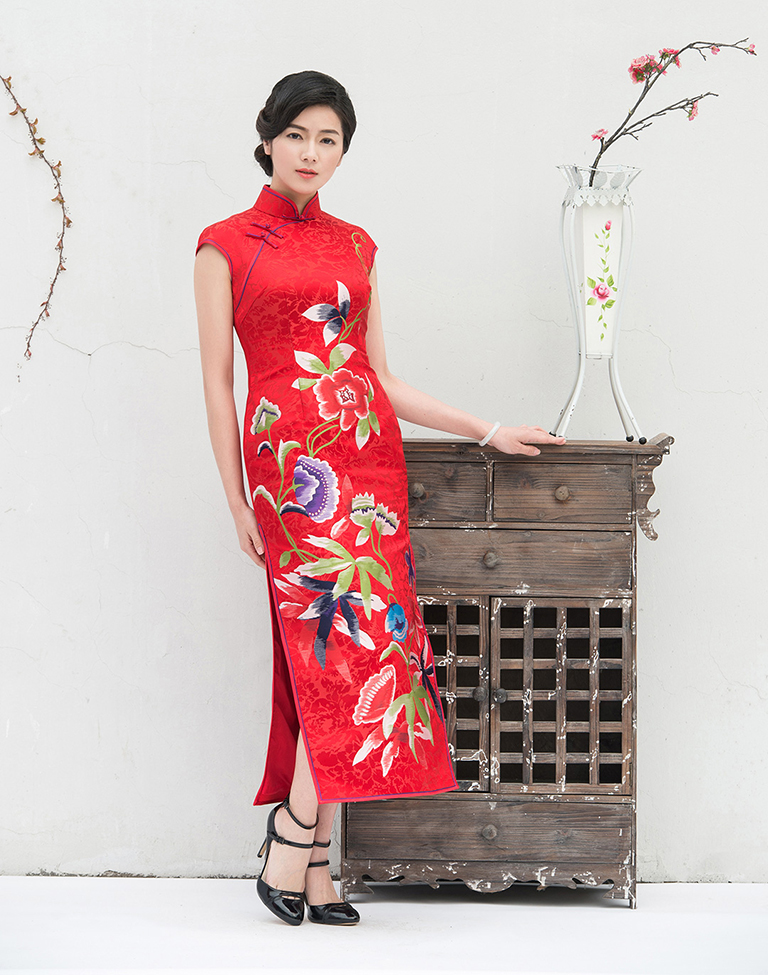 Long wedding cheongsam
