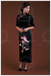 Black qipao for mom