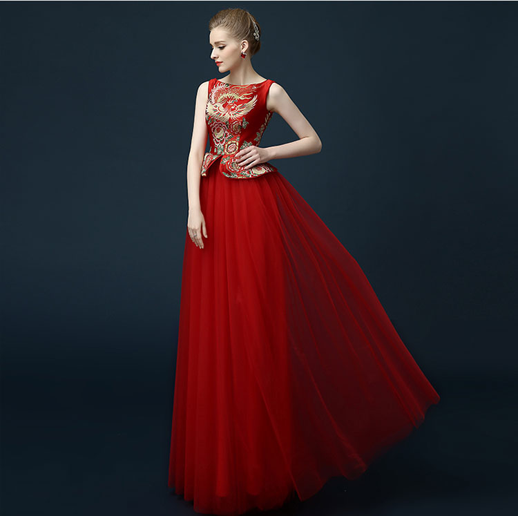 Red chinese wedding dress with phoenix pattern