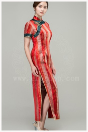 red qipao for mother