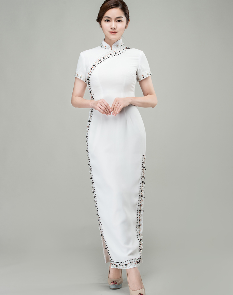 length, double slits. Elegant Qipao. The perfect combination of the East and the West White long choengsam dress with Shining beads and sequins