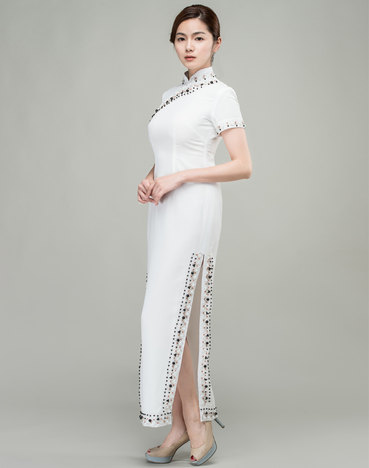 White long choengsam dress with Shining beads and sequins