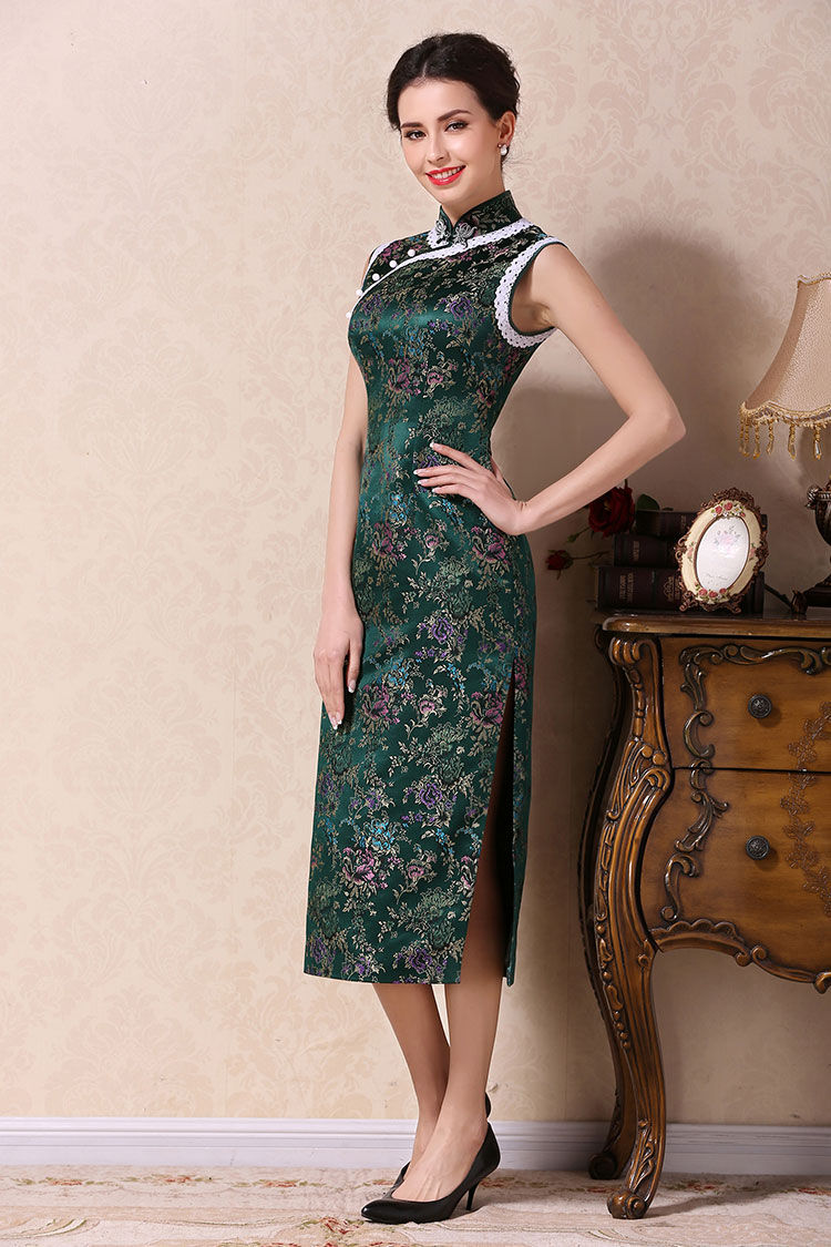 Green long cheongsam dress with white lace edge