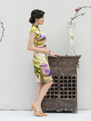 Pure silk cheongsam with water wave pattern