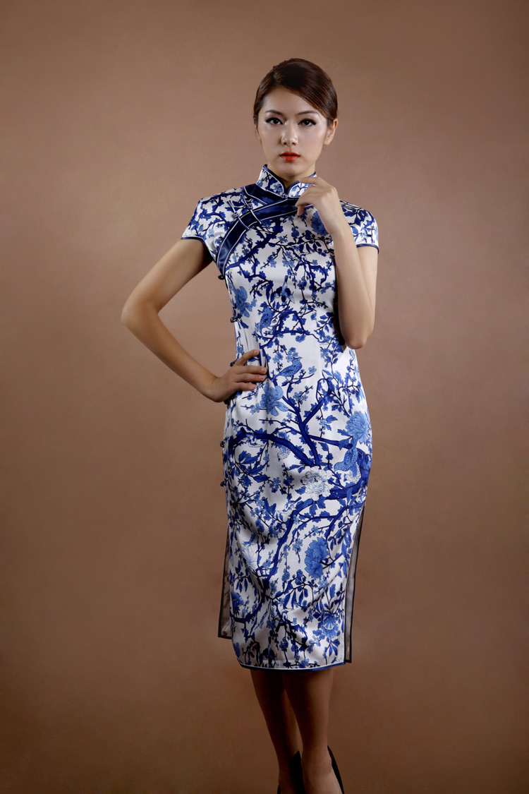 Blue and white porcelain cheongsam