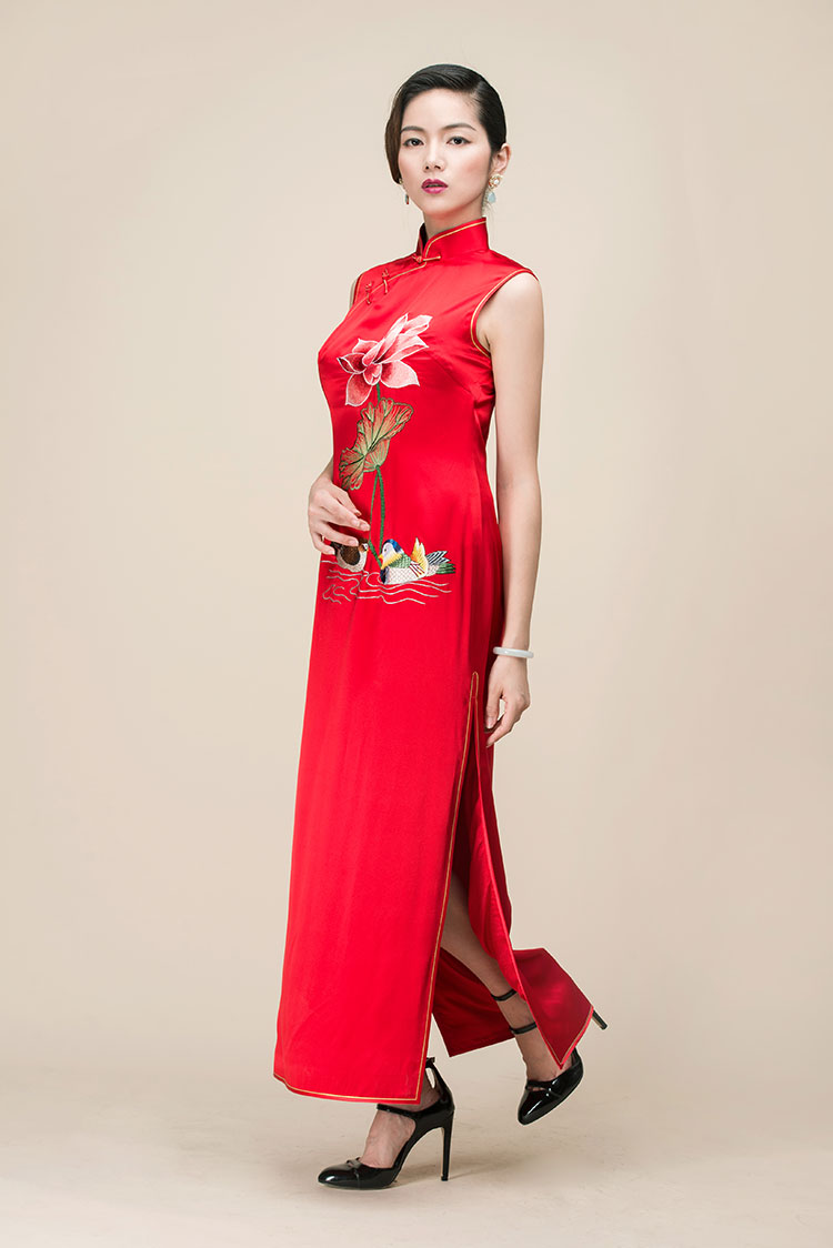 Red lotus embroidery cheongsam long dress