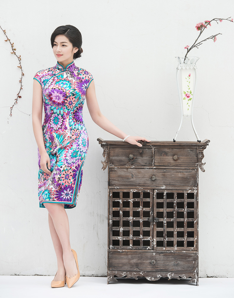 purple cheongsam with flower