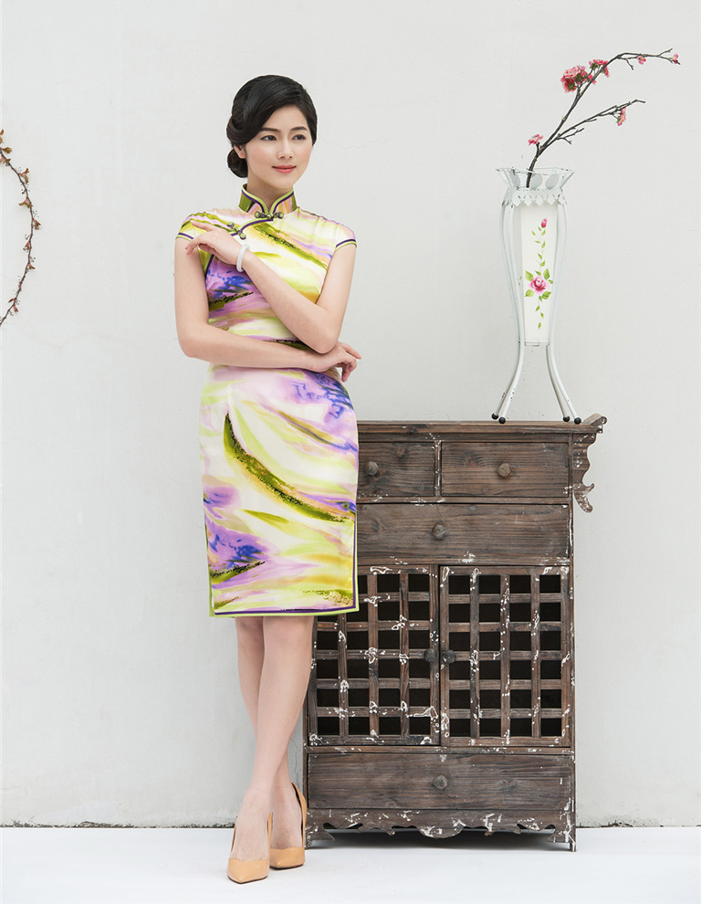 chinese cheongsam with lotus