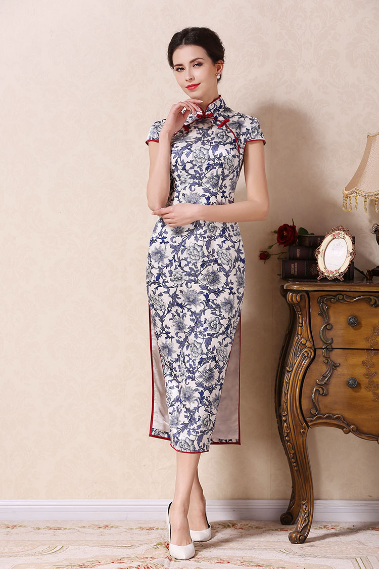 Silk blue-white porcelain cheongsam