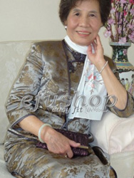Van Dam's mother's Qipao