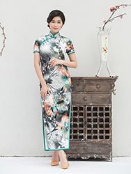 Long pure silk lily cheongsam for mom