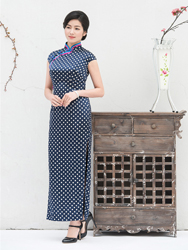 Pure silk blue cheongsam with white polka-dot