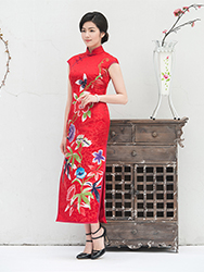 Chinese wedding flowers red qipao
